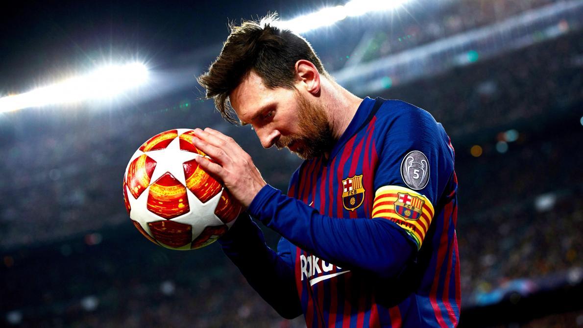 Ballon de Foot Hat Trick Messi - ©EPA