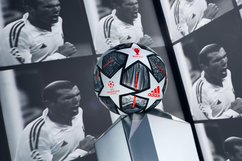 Le ballon de foot des phases finales de la Ligue des Champions dévoilé !